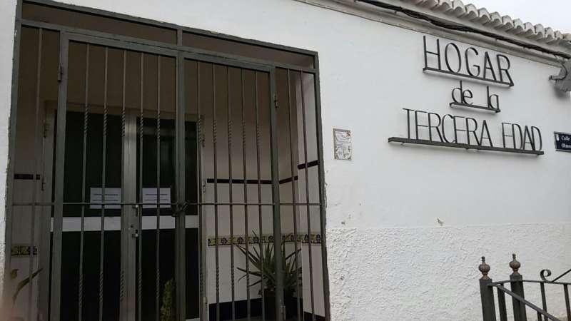 Entrada del Hogar del Jubilado de San Antonio de Benagéber. //EPDA