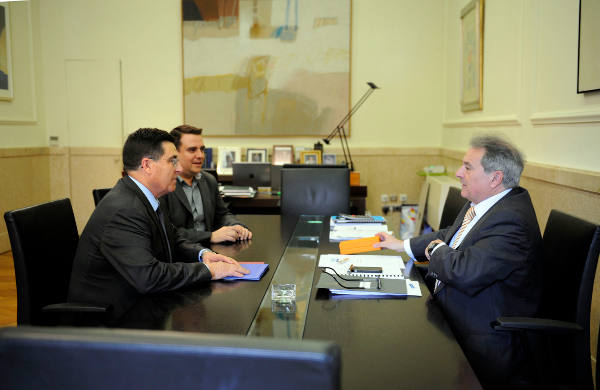 El alcalde de Torres Torres con el presidente de la Diputación de Valencia. EPDA