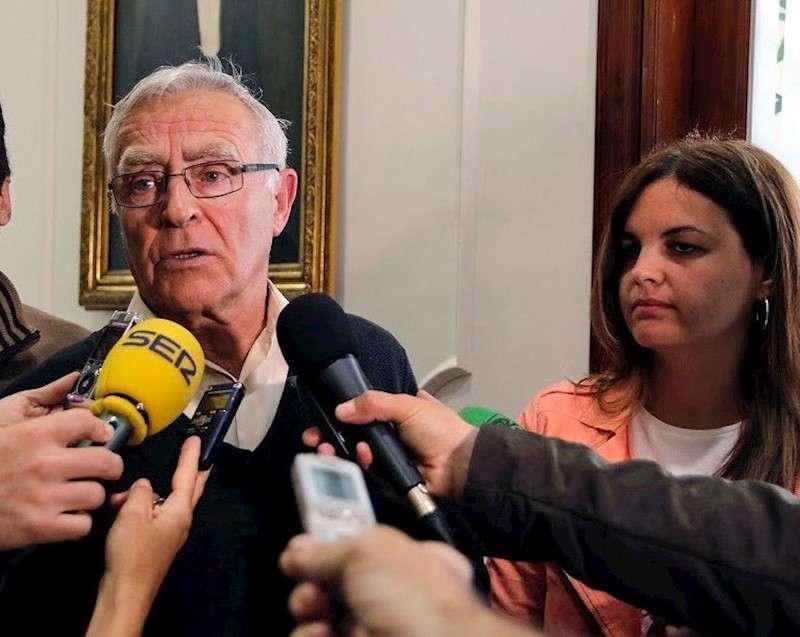 El alcalde de València, Joan Ribó y la vicealcaldesa y portavoz del PSPV-PSOE, Sandra Gómez. EFE/Archivo