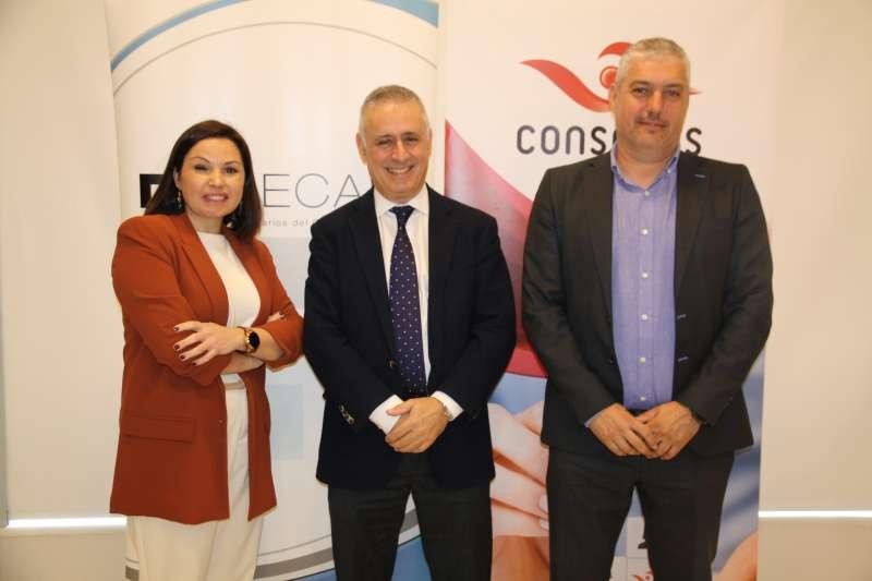 Cristina Plumed junto a Francisco Rogero y David Palau. EPDA