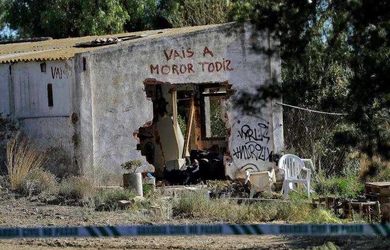 Imagen de la casa donde vivía la pareja con los dos menores. EFE/Archivo