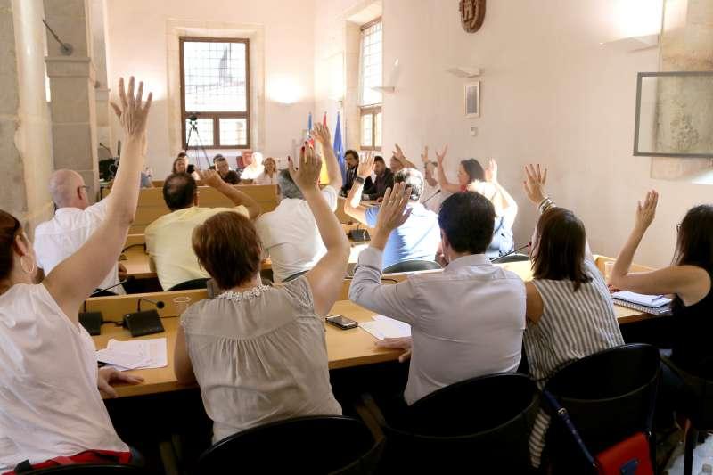 El pleno de Llíria considera el Prat idóneo para acoger el Centro de Recepcción de Menores