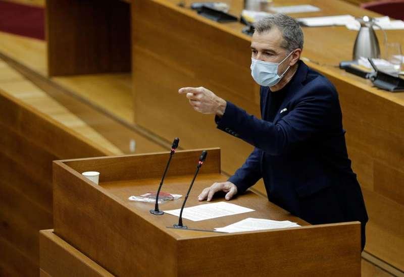 El Portavoz de Ciudadanos, Toni Cantó, interviene en el Pleno. EFE