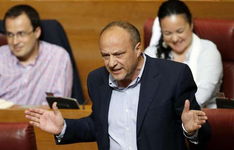 El exdiputado del PSPV-PSOE, Rafael Rubio, durante una intervención en el pleno de Les Corts Valencianes. EFE/Kai Försterling/Archivo