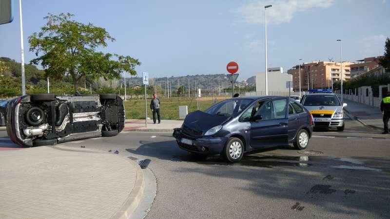 Accidente entre dos vehículos en Sagunt. EPDA
