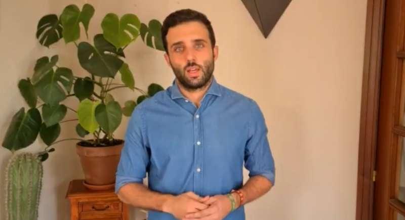 Darío Moreno, alcalde de Sagunt, en el vídeo colgado en sus redes sociales con respecto a los brotes detectados. EPDA.
