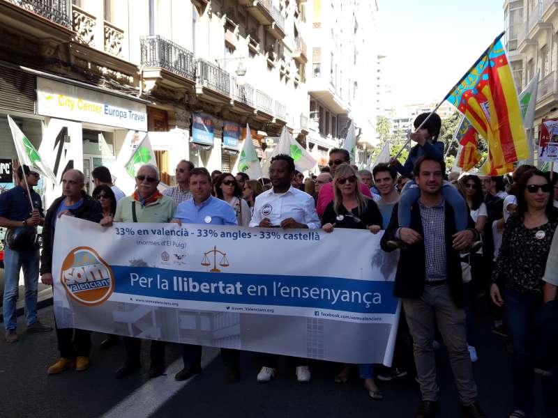 Som Valencians se ha unido a las más de 40.000 personas que se han manifestado el sábado en Valencia. FOTO SOM