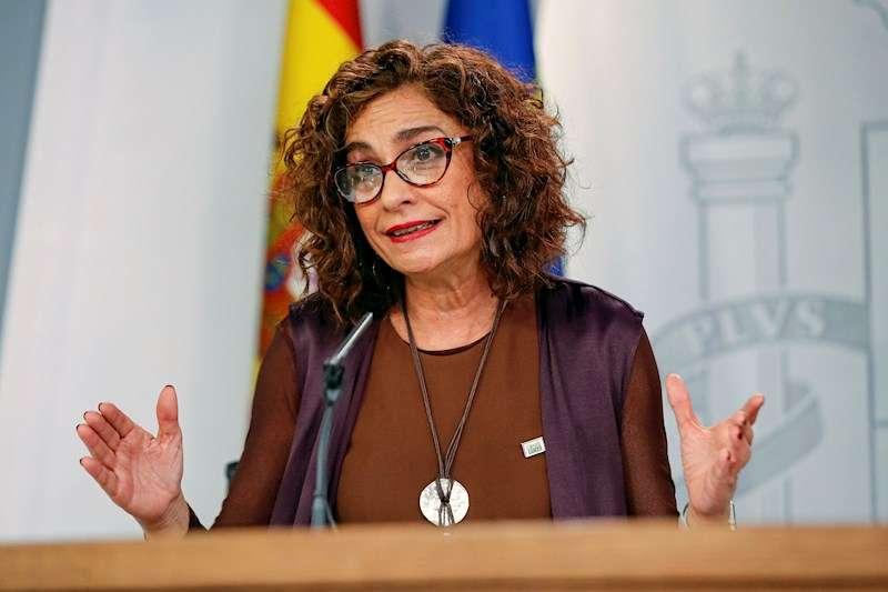 La portavoz del Gobierno y ministra de Hacienda, María Jesús Montero, en una imagen de archivo. EFE