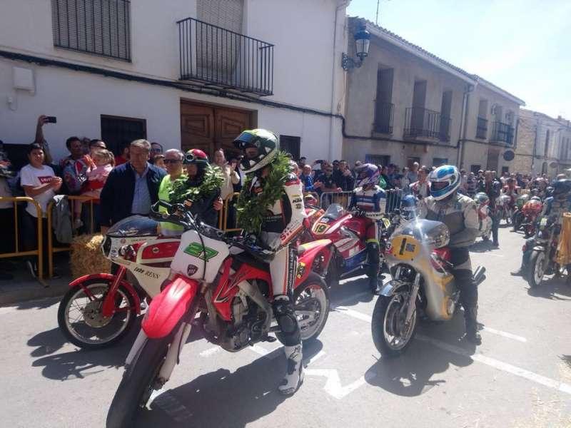 Primera Exhibición de motos  clásicas organizada por el Club de Motociclismo de Casinos
