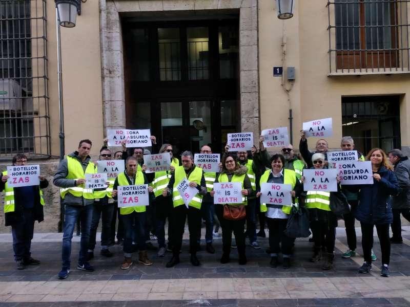 Protesta ante el Ayuntamiento de València. EPDA
