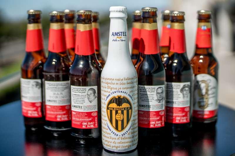 Cerveza Amstel con motivo del centenario del Valencia CF. EPDA