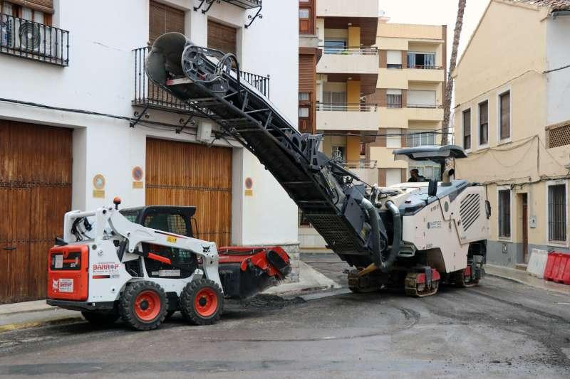 Repavimentación de las calles en Puerto de Sagunto. EPDA
