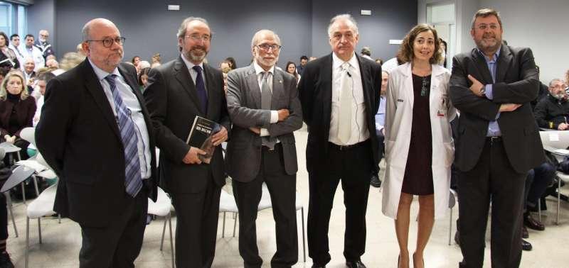 En el acto de la presentación del libro biográfico del Doctor Mir.