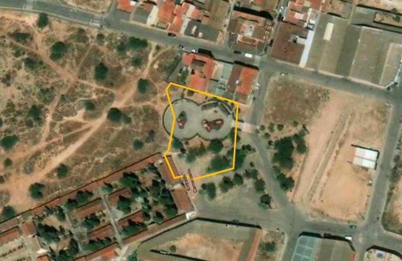 Superposición de los terrenos junto al Cementerio Municipal de Benaguasil. / epda