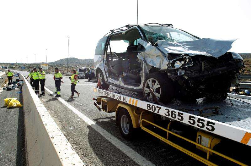 Estado en que quedó el coche accidentado. EFE