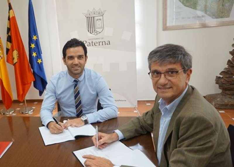Firma convenio Ayuntamiento y Parc Científic. EPDA