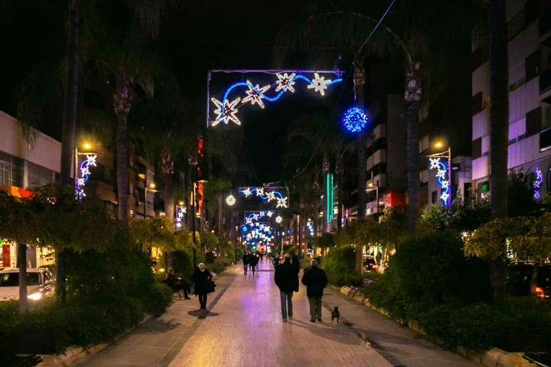 Calle iluminada en Torrent