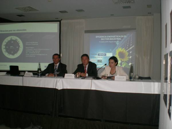 La presidenta de la patronal durante su intervención. EPDA