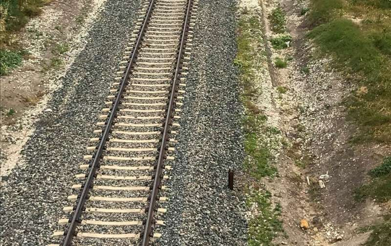 Imagen de una vía de ferrocarril en servicio. EFE/Archivo
