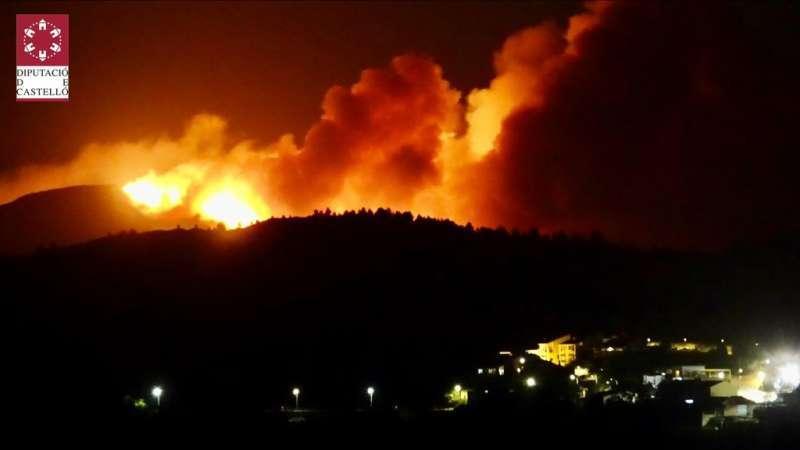 Imagen del incendio de Azuébar, el más grave de este verano en la Comunitat Valenciana. / EPDA