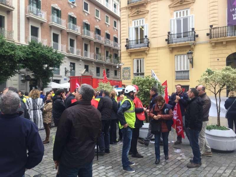 Protesta frente al Palau de la Generalitat FOTO J.MARTÍNEZ