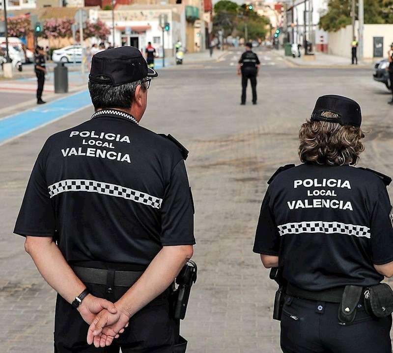 Varios agentes de la Policía Local. EFE/Archivo