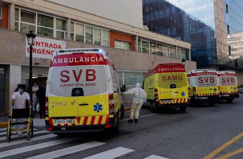 En la imagen, la entrada de urgencias del hospital Clínico de València.
