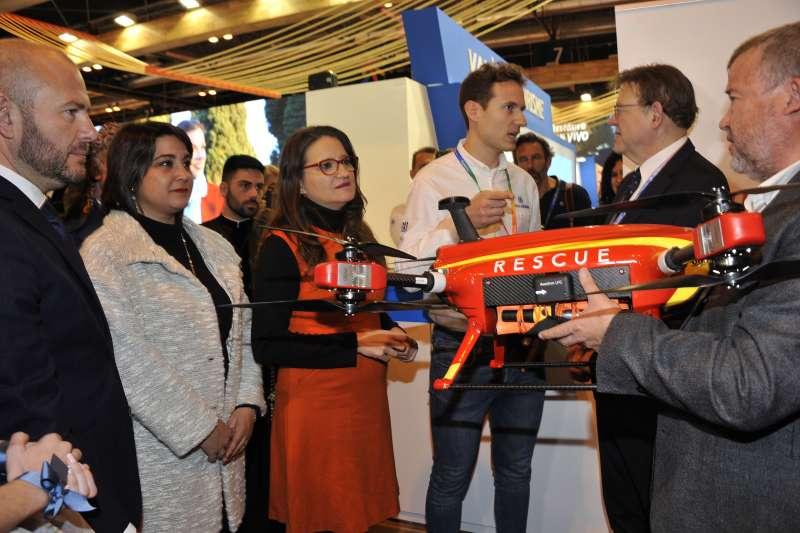 El alcalde de Sagunt y concejala de Turismo con el president de la Diputació, el president de la Generalitat y la vicepresidenta.