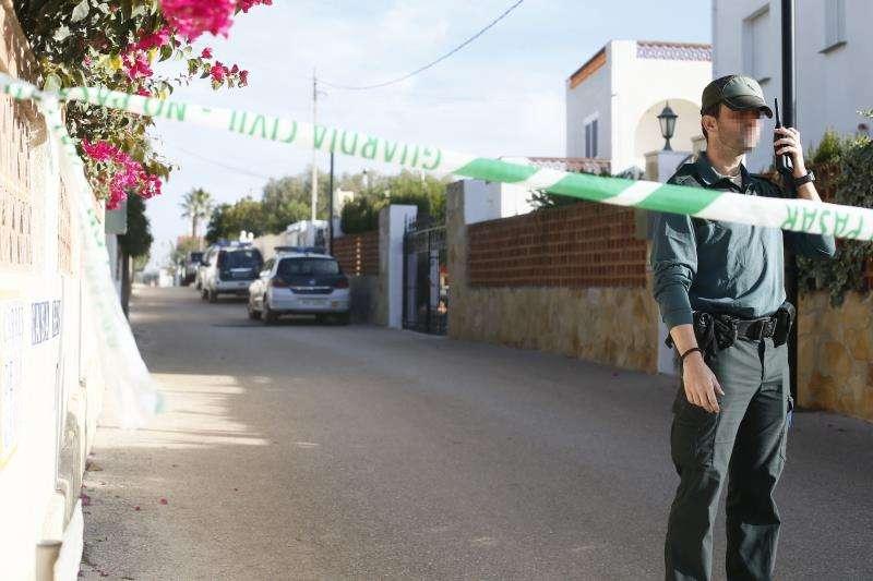 Agentes de la Guardia Civil en la localidad castellonense de Vinaròs. EFE/Archivo