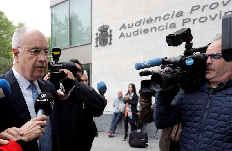 El exconseller de Cooperación Rafael Blasco, en su llegada a los juzgados de Valencia.