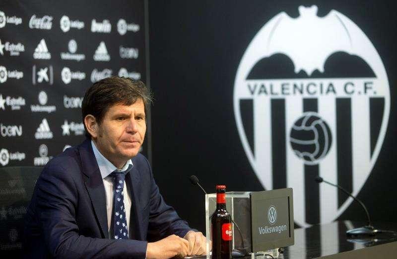 El director general del Valencia CF, Mateu Alemany, continuará en su cargo en el club de Mestalla. EFE/Archivo