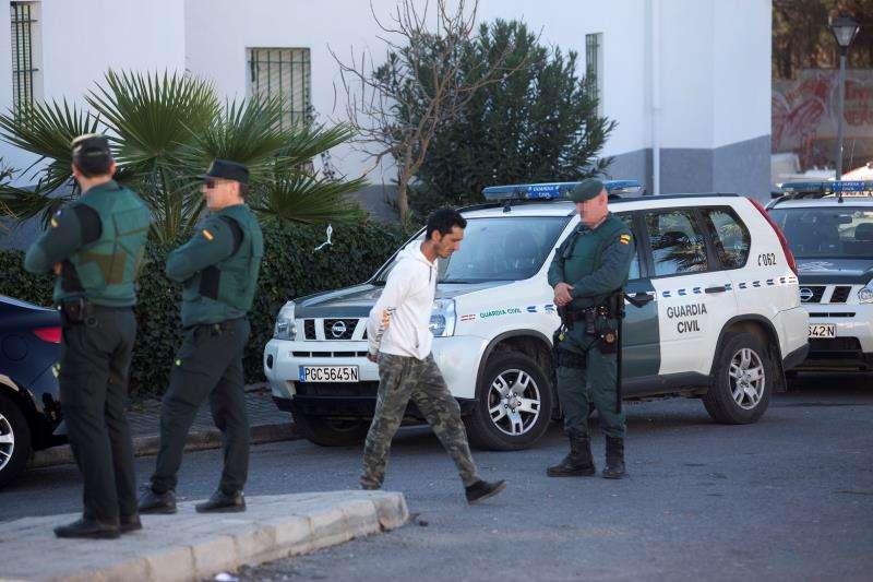 Agentes de la Guardia Civil en una intervención tras una reyerta. EFE/Archivo
