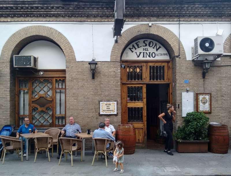 Restaurante Mesón del Vino de Requena. Archivo