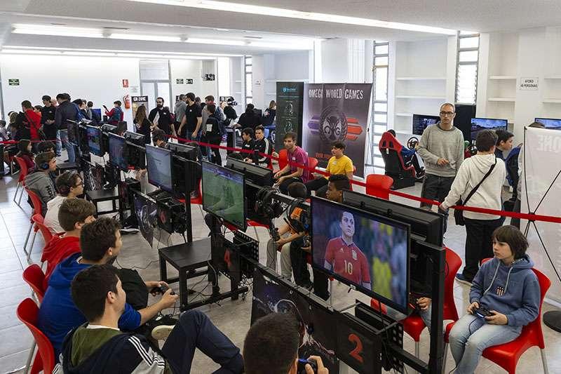 Picassent Celebrada una Gaming experience a la Casa Jove La Torta