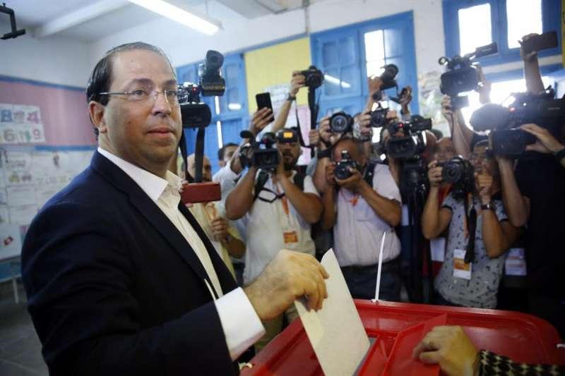 El ex primer ministro de Túnez Youssef Chahed. EFE/EPA/STRINGER/Archivo
