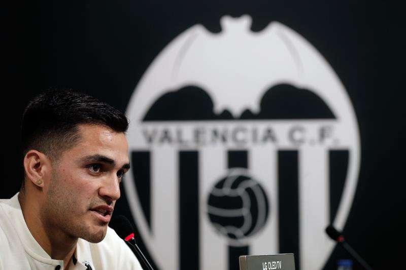 El delantero uruguayo Maximiliano