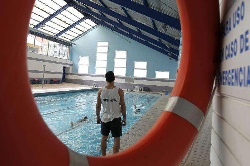 Monitor en una piscina. EFE/Archivo
