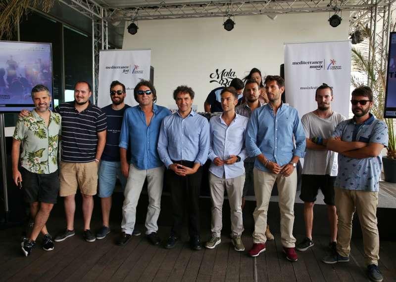 Francesc Colomer con los responsables de festivales de la Comunitat.
