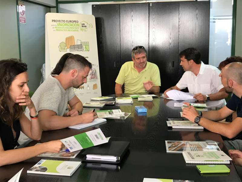 El diputat Josep Bort, durant la presentació de la campanya de sensibilització i reciclatge d
