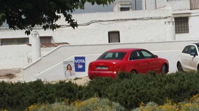Cartelería electoral en Paterna. EPDA