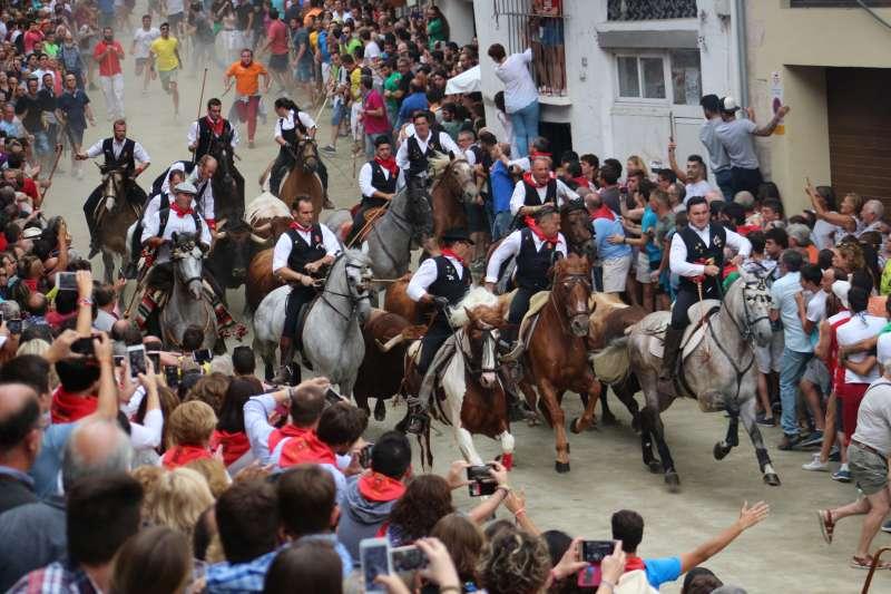 La entrada de Segorbe sigue siendo la única que se celebra con caballos por las calles de la ciudad y sin barreras.