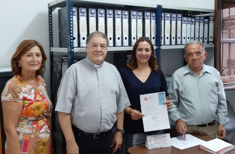 Dolores Barrachina, con Vicente Nemesio, Federico Caudé y Marisol García