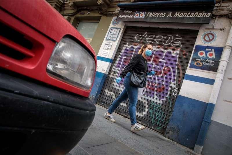 GRAFCVA3895. VALENCIA, 08/04/2020.- La pandemia de coronavirus ha echado el freno de mano a miles de vehículos que