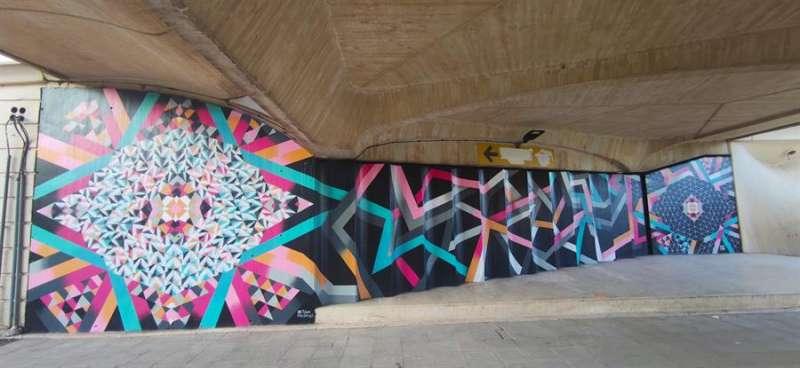 Mural realizado en la parte inferior del puente del 9 d