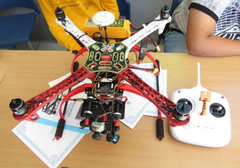 Detalle de uno de los drones. / EPDA