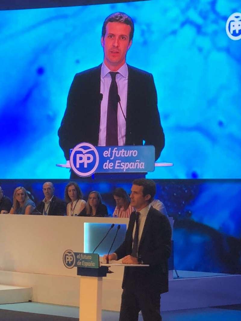 Durante la intervención del candidato Pablo Casado. Foto: EPDA