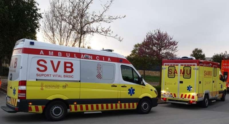 Imagen de archivo de dos ambulancias. EPDA