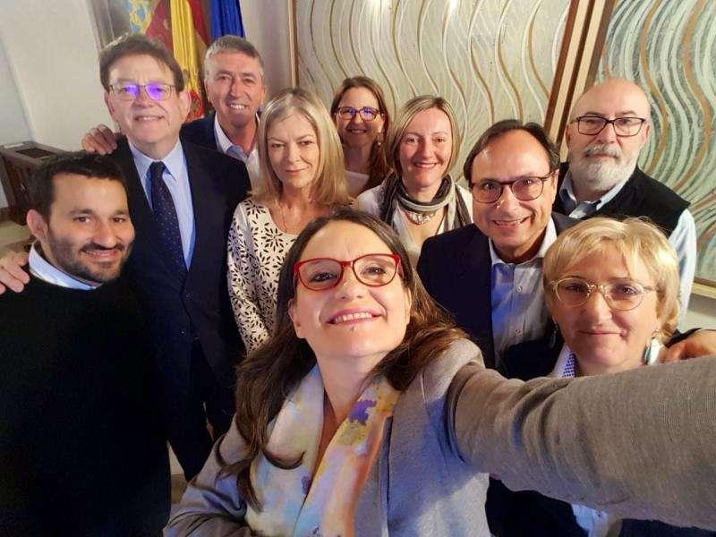 Selfi compartido por Mónica Oltra en su cuenta de Twitter.