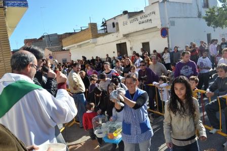 El Barrio del Cristo ha celebrado este fin de semana la festividad del patrón de los animales, San Antonio Abad. Foto EPDA