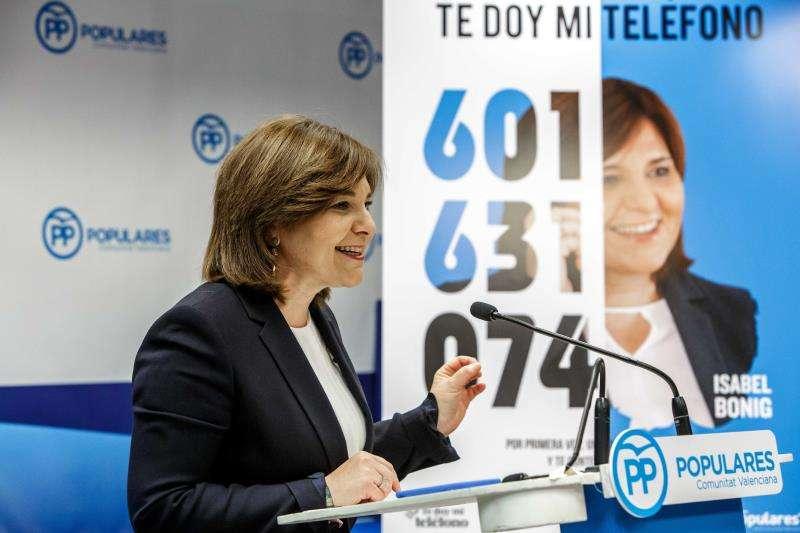 La presidenta del PPCV, Isabel Bonig, durante la rueda de prensa de presentación de esta iniciativa. EFE/Archivo